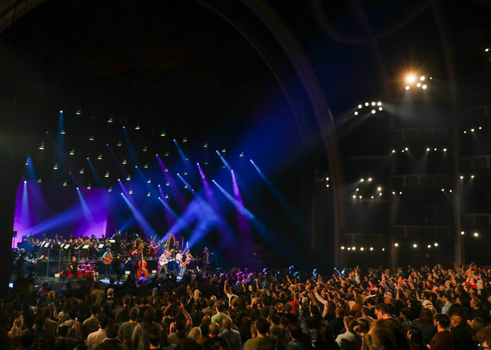Services Concerts